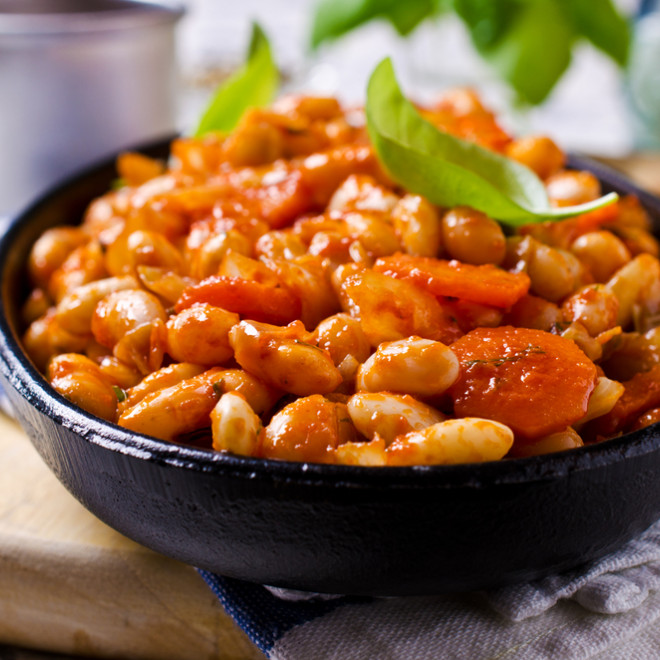 moroccan white bean soup , loubia